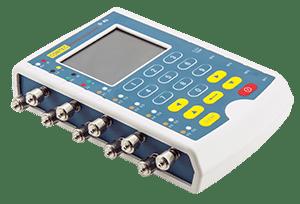 Simulador com precisão 12 variações de ECG, respiração, temperatura e IBP